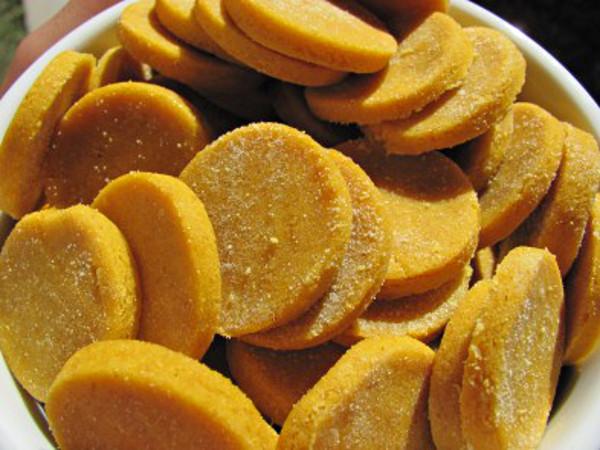 DIY_halloween_dog_treats_homemade_recipes_05